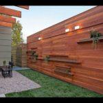 Преимущества заказа строительства деревянных заборов